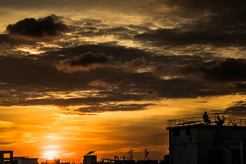 dusk clouds urbanscape dramaticsky moodysky