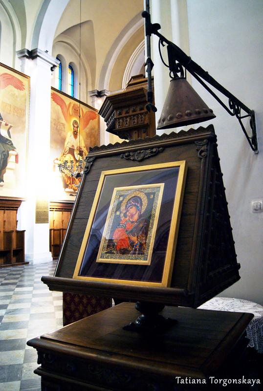 Икона Богородицы с младенцем Христом в церкви Св.Николая