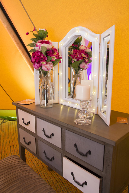 Pamper package vanity unit