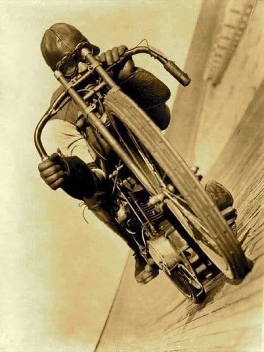 Moto Guzzi Café Racer -  Page FLICKR 43298527542_31802f9c6c_o