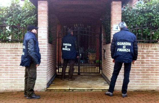 guardia_di_finanza_ispezione_555