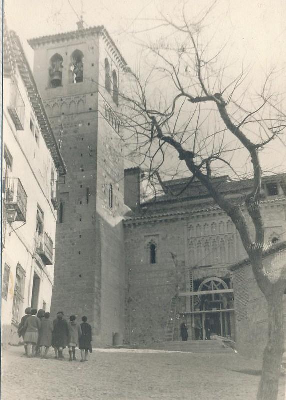 Iglesia de Santa Leocadia (ya en obras) en 1963. Fotografía de Julián C.T.