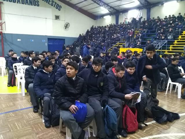 Alumnos de octavos básicos visitaron especialidades