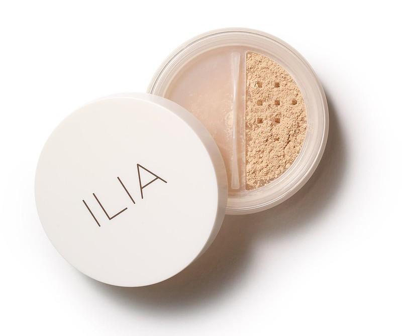 ilia-radiant-translucent-powder-spf-20-magic-sands-818107021350-open_1024x1024
