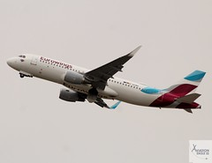Eurowings A320-214 D-AEWN taking off at DUS/EDDL