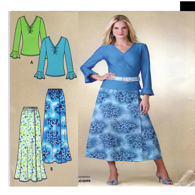 Simplicity 3821 top skirt sewing pattern