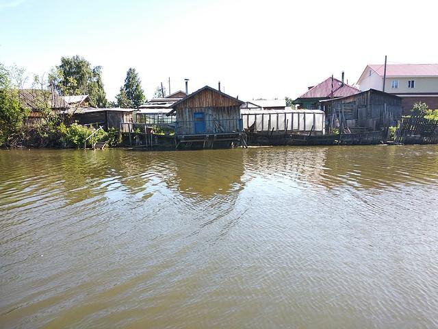У озера Керепеть