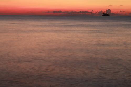 florida fortlauderdale fortlauderdaleflorida beach beachvolleyball silhouette beachvolleyballsilhouette sunrise atlanticocean