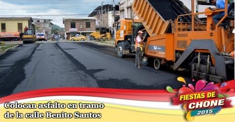 Colocan asfalto en tramo de la calle Benito Santos