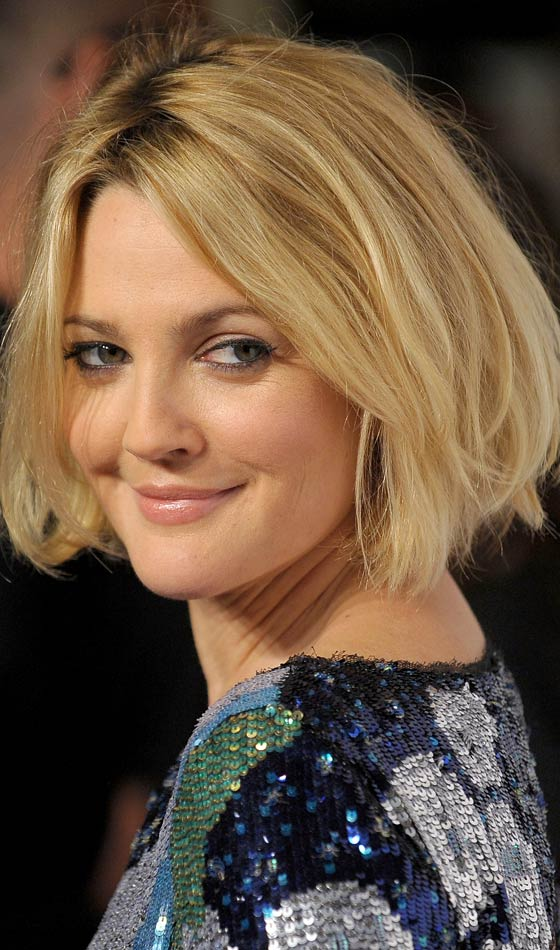 Medium Cut Hairstyles For Pretty Women-Use every day a new style 4