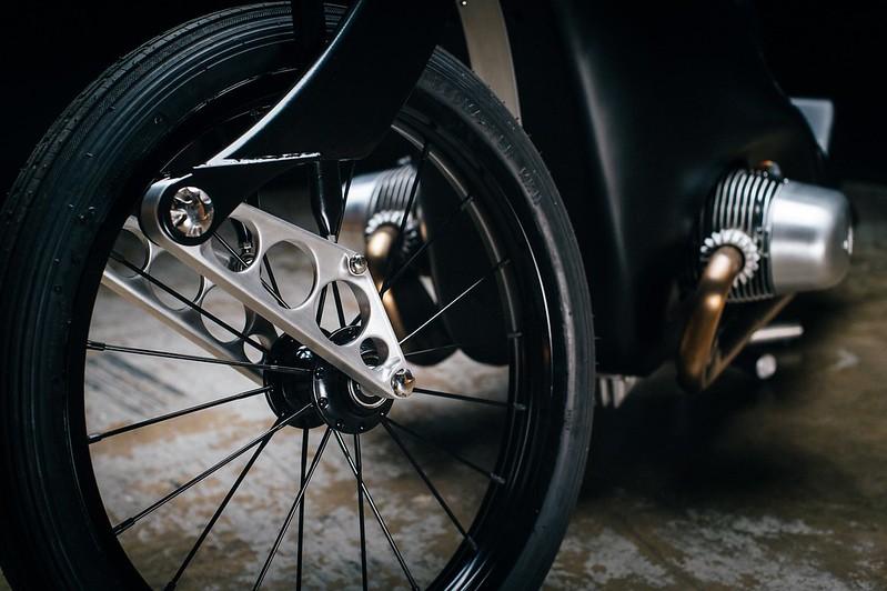 Custom-BMW-Motorcycle-17