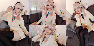 Sonico (Super Sonico) Selfies