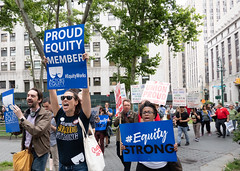 Actors Equity shows up for public emploees