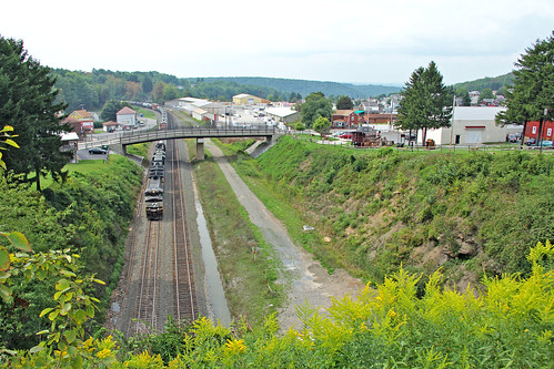 norfolksoutherntrains gallitzinpennsylvania pennsylvania nspittsburghline norfolksouthern tracks railroadtracks
