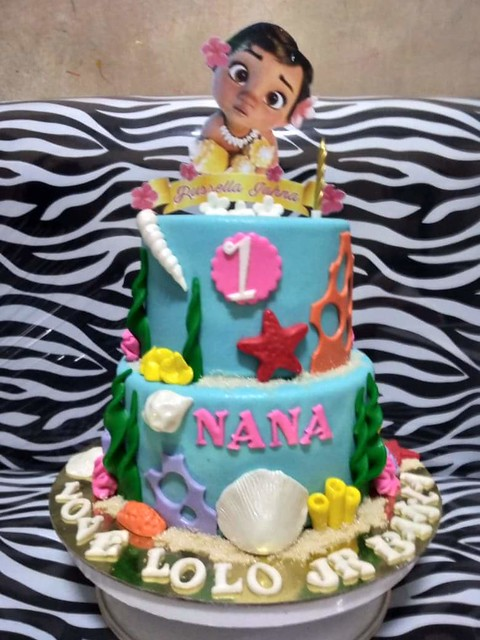 Baby Moana Cake by Stephanie Naplaza of RS Cupcakes