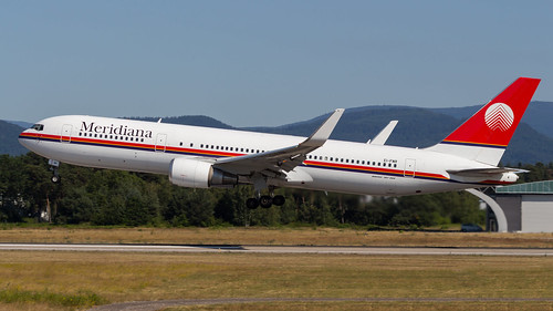 Boeing 767-304(ER)(WL) EI-FMR Meridiana
