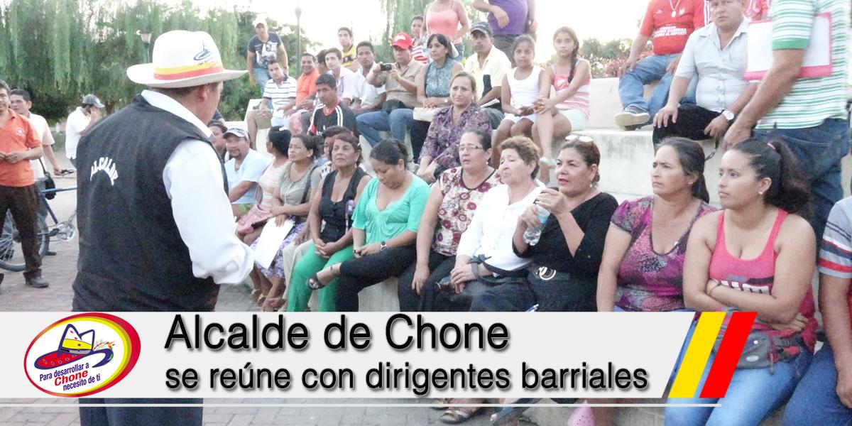 Alcalde de Chone se reúne con dirigentes barriales