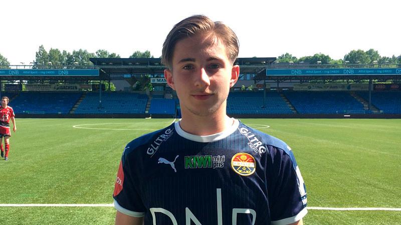 Il giovane Adis Mujkic in una recente immagine con la maglia dello Strømsgodset