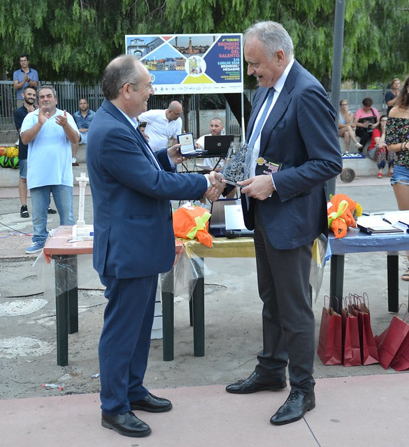 Sindaco Rossi consegna Medaglia Senato al Questore