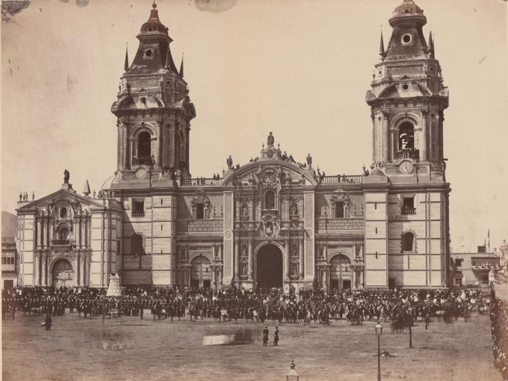 Лима. Собор и войска во время похорон президента Перу Мигеля де Сан-Романа