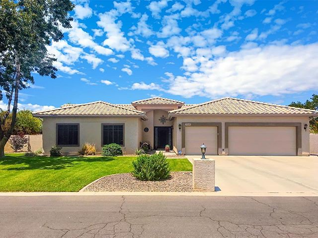 I have a REALLY cool 1/2 acre lot listing coming up in Queen Creek with 4 bedrooms, 3 car garage, RV gate/parking, and a pool. Going to be offered at $510,000. Know anyone that might be interested, send them my way!