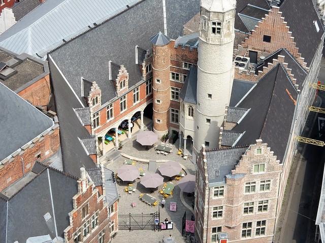 uitzicht op toren Sint-Baafskathedraal: Achtersikkel