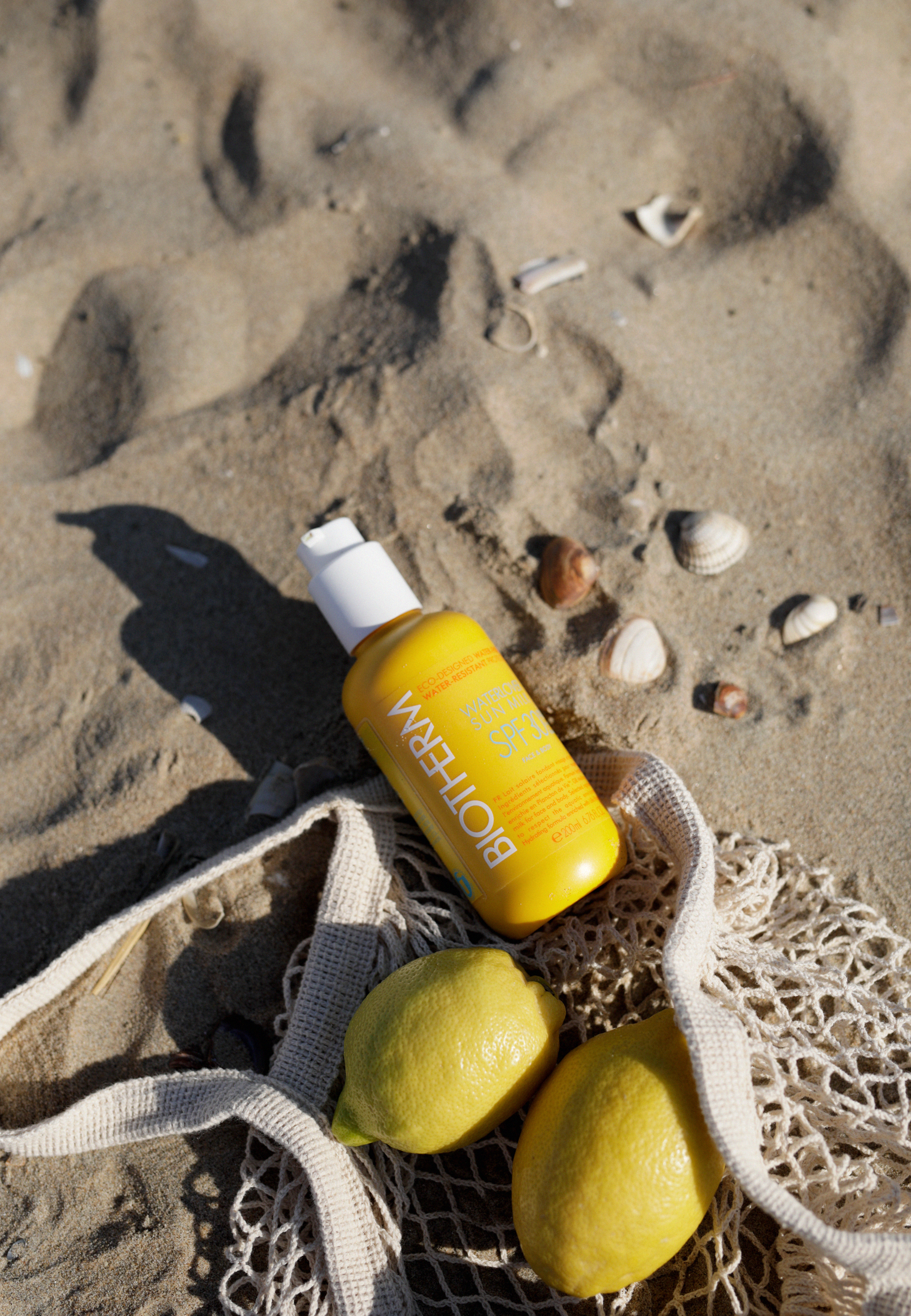 beauty at the beach lemon biotherm sun waterlovers suncare skincare sunblock beachlife beachvacation diptyque skincare eos crystal lip balm bikini swimwear beautyblogger beautybloggers catsanddogsblog ricarda schernus beautyblogger düsseldorf catsdogs 6