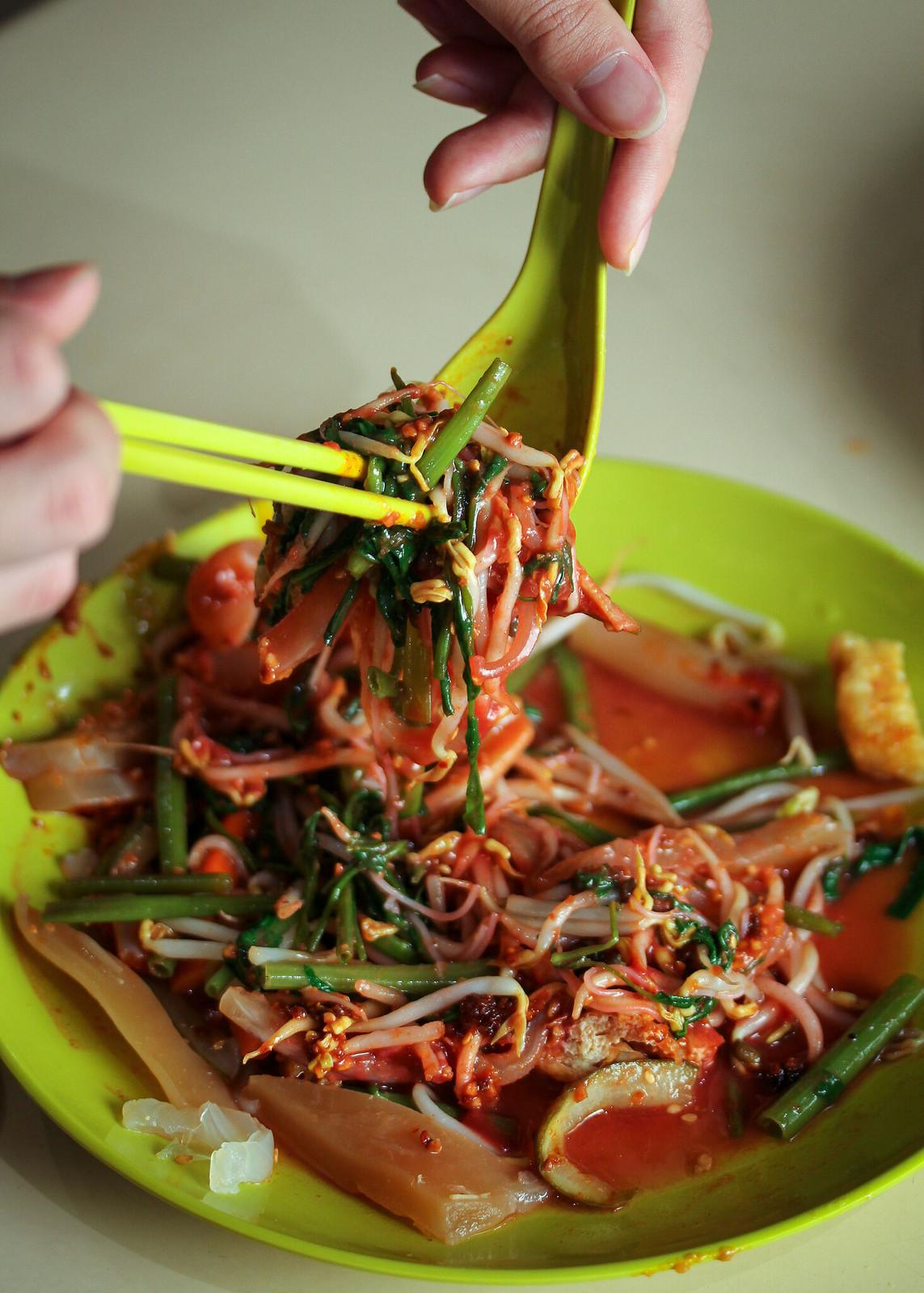 Sin Chew Satay Bee Hoon Cuttlefish Kang Kong (Held)