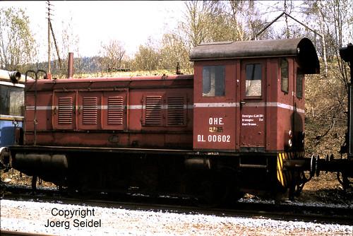 DE-94239 Gotteszell Bahnhof Diesellok OHE DL 00602 (Deutz 36659/1941) im Mai 1982