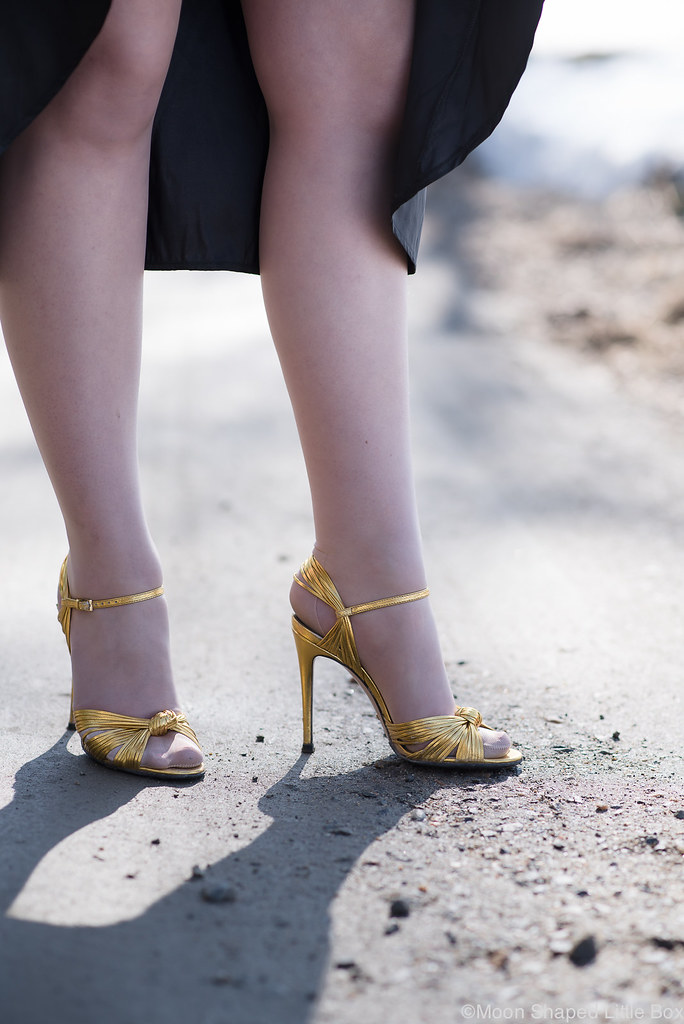 Gucci heels, gucci, golden heels, metallic gold, high heels, shoes, beautiful shoes, gold shoes, styleblogger