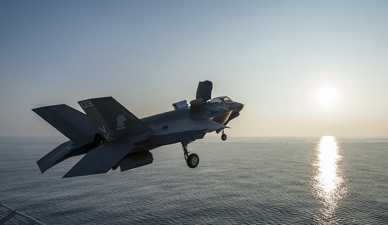 An F-35B Lightning II aircraft takes off from USS Wasp (LHD 1).