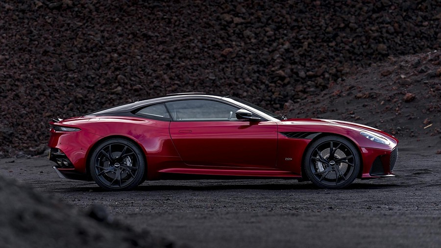 Aston Martin DBS Superleggera 10