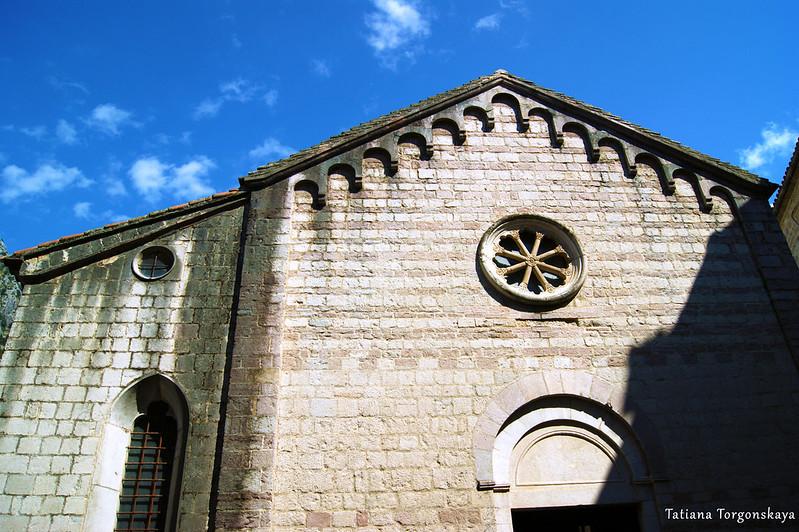Фасад церкви Св. Марии Речной