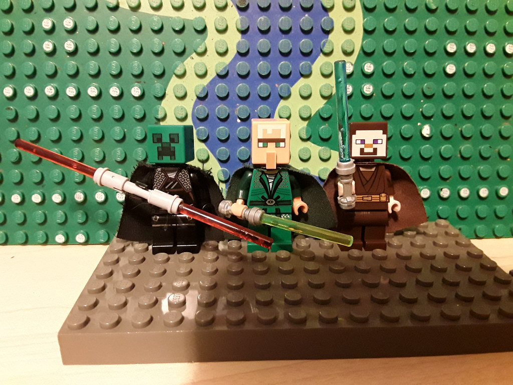 Minecraft/Star Wars crossover minifigures.