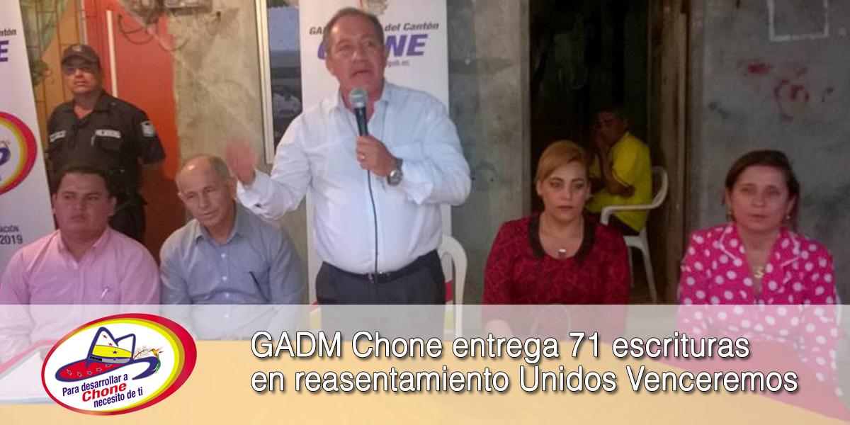 GADM Chone entrega 71 escrituras en reasentamiento Unidos Venceremos