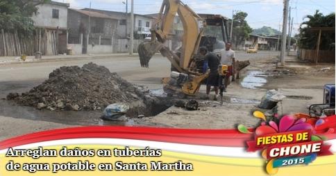 Arreglan daños en tuberías de agua potable en Santa Martha