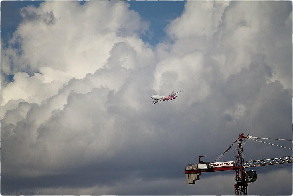 Boeing 747-400 - EI-XLF © NickFW