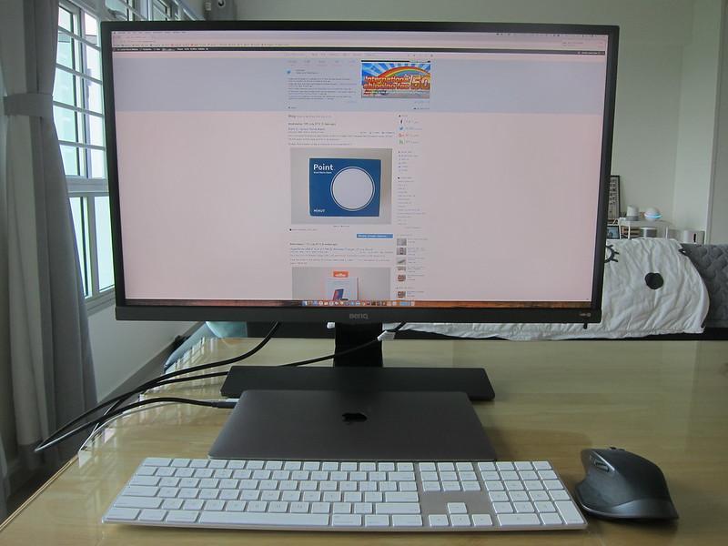 EW3270U - With MacBook Pro
