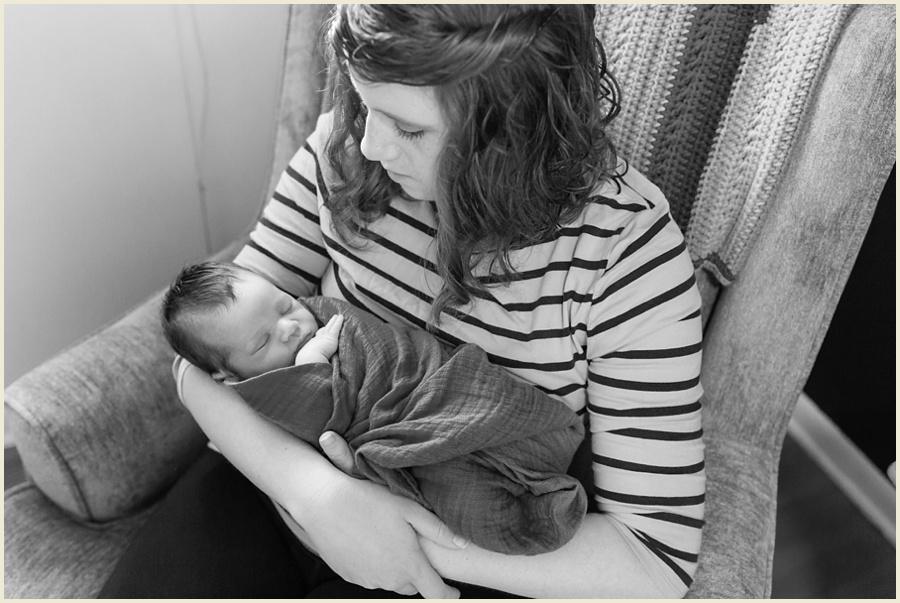 felix-newborn-49-bw