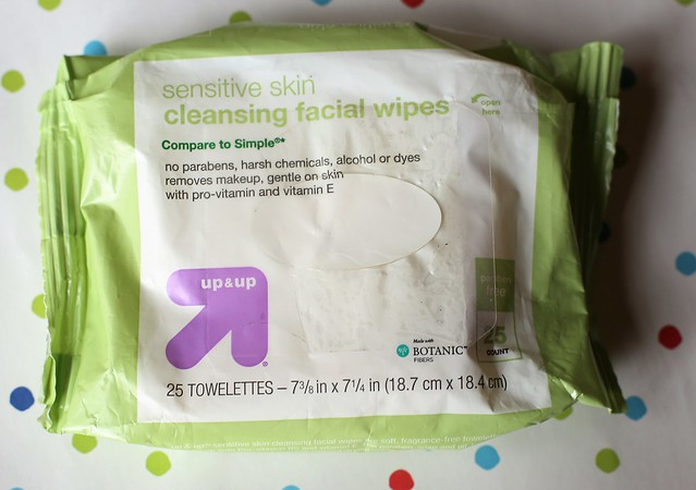 up & up Sensitive Skin Cleansing Facial Wipes