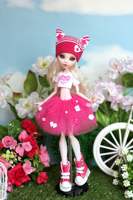 outfit in sweet candy style