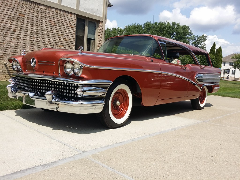 It's a Buick, but it's not something you see very often. Caballero!  - Page 5 42822109595_c618e7281f_b