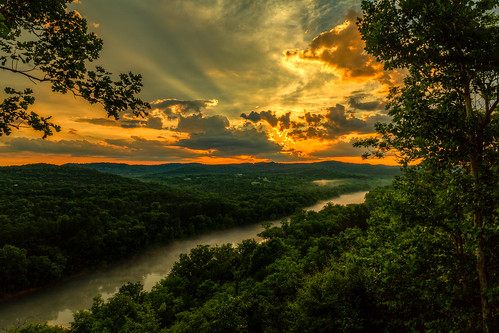 2018 arkansas canoneos7d copyright©2018ianaberle eurekasprings hdr ozarks whiteriver whiterivercabinsofeurekasprings crepuscularrays sunset tonemapped unitedstates exif:focallength=50mm exif:model=canoneos7d camera:make=canon exif:isospeed=100 geo:city=eurekasprings camera:model=canoneos7d geo:country=unitedstates geo:location=755countyroad210 geo:lon=93805375 geo:state=arkansas geo:lat=36457491666667 exif:make=canon us