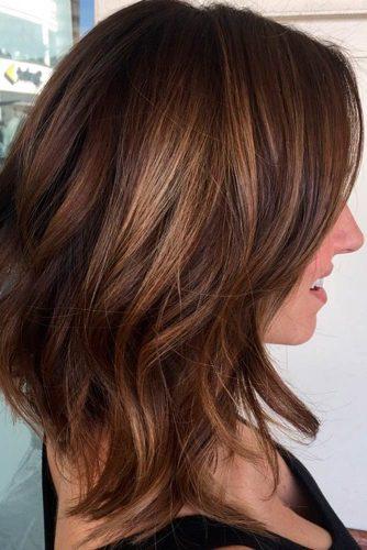 TOP MEDIUM LENGTH LAYERED HAIR IDEAS FOR WOMEN 4