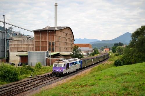 SNCF BB 67464 + RRR 236 + 233 te Urmatt