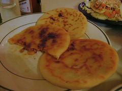 bread(0.0), pizza(0.0), baked goods(0.0), hotteok(0.0), syrniki(0.0), naan(0.0), meal(1.0), breakfast(1.0), flatbread(1.0), pupusa(1.0), arepa(1.0), food(1.0), dish(1.0), cuisine(1.0),