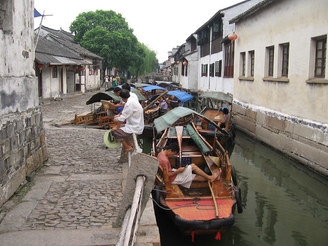 Boatmen at rest, Zhouzhuang