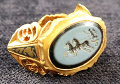 Roman Gold Signet Ring