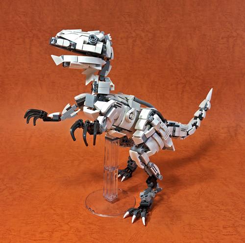 LEGO Mecha Velociraptor-03