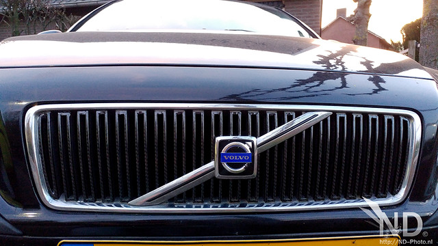 Volvo S80 2.4T Carbon 4D Wrapping the Grill